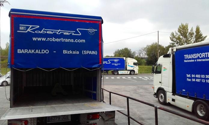 Plataforma para carga/descarga: Servicios de Robertrans Bizkaia