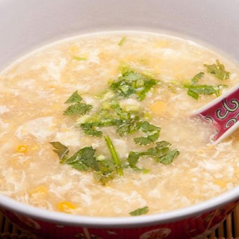Sopa de pollo con maíz