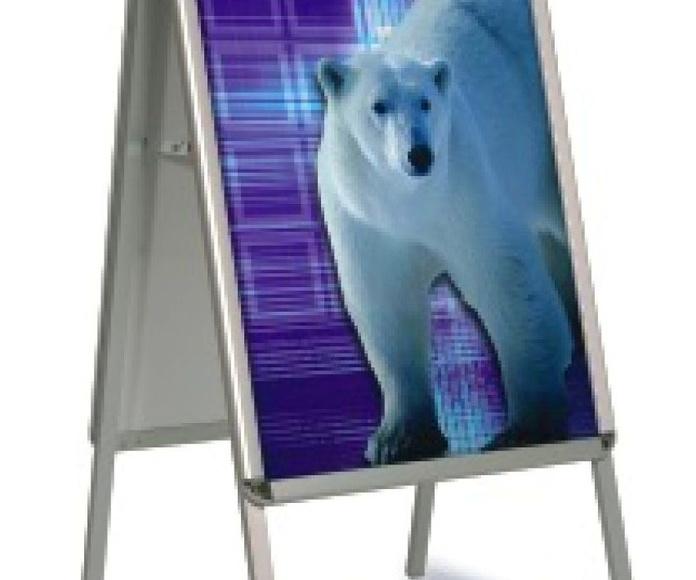 Caballete de aluminio con doble gráfica de 70 x 100 cms