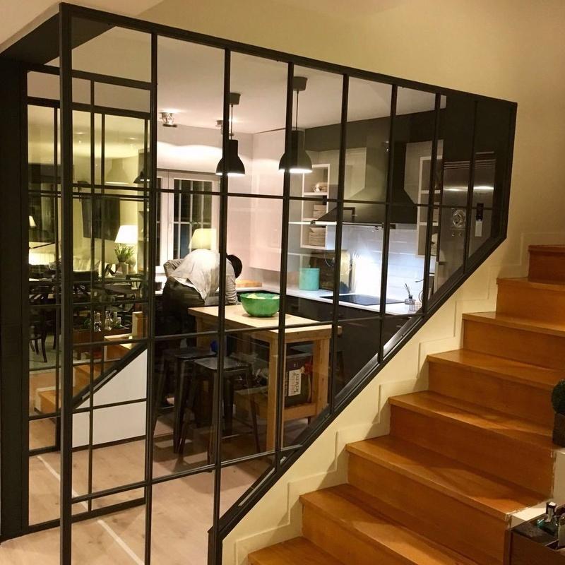 Cerramiento de cristal tipo NY: Servicios y Productos de Cerrajería Avelino Izquierdo, S.L.