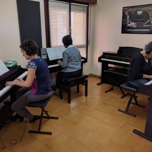 Gitarrako eskola Mungian