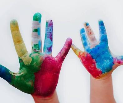 Mi Mundo de Colores firma convenios especiales con colectivos profesionales