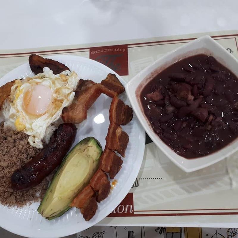 Menú diario: Ofrecemos de Cafetería La Bernarda