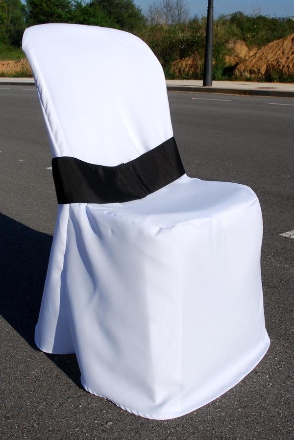 Alquiler de lazos silla con funda, en Asturias.