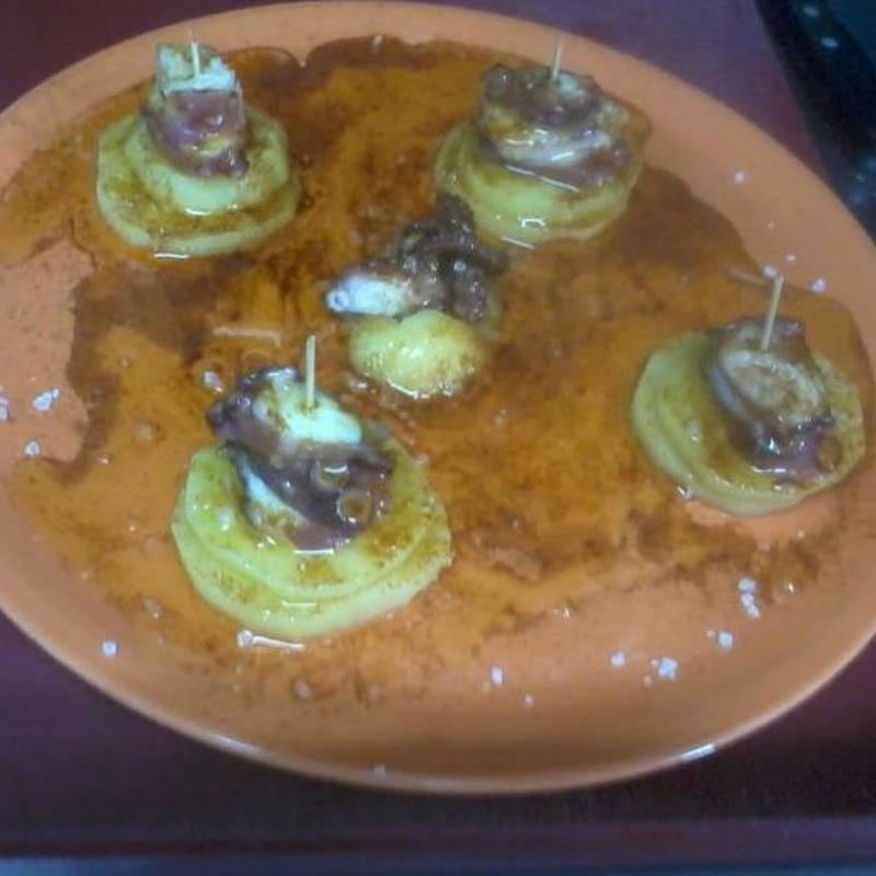 Raciones y platos combinados: Especialidades de la casa de Cafetería Bayona