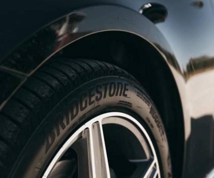Bridgestone presenta el Turanza T005, neumático premium para SUV y turismos