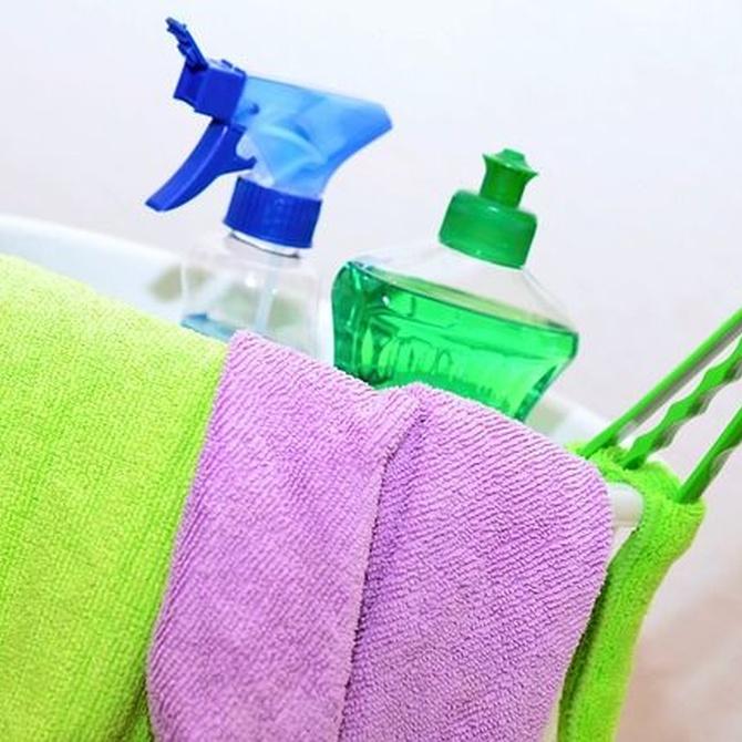 Limpieza de techos desmontables o registrables