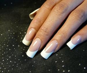 Luce unas uñas perfectas en Barcelona