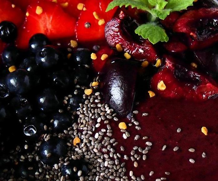 Smoothie Bowl (Berry Good): Carta de Kiwio Juice Bar