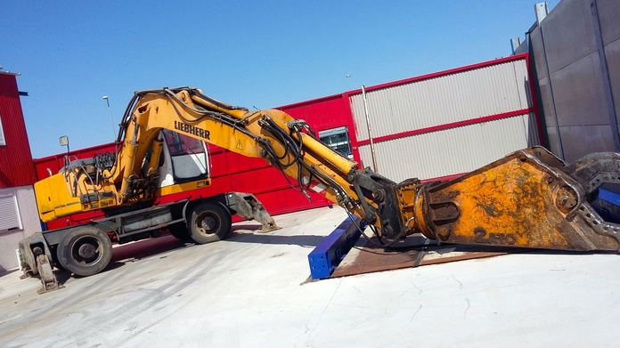 Gestor de residuos férricos y no férricos: Servicios de Desguaces Tres Torres