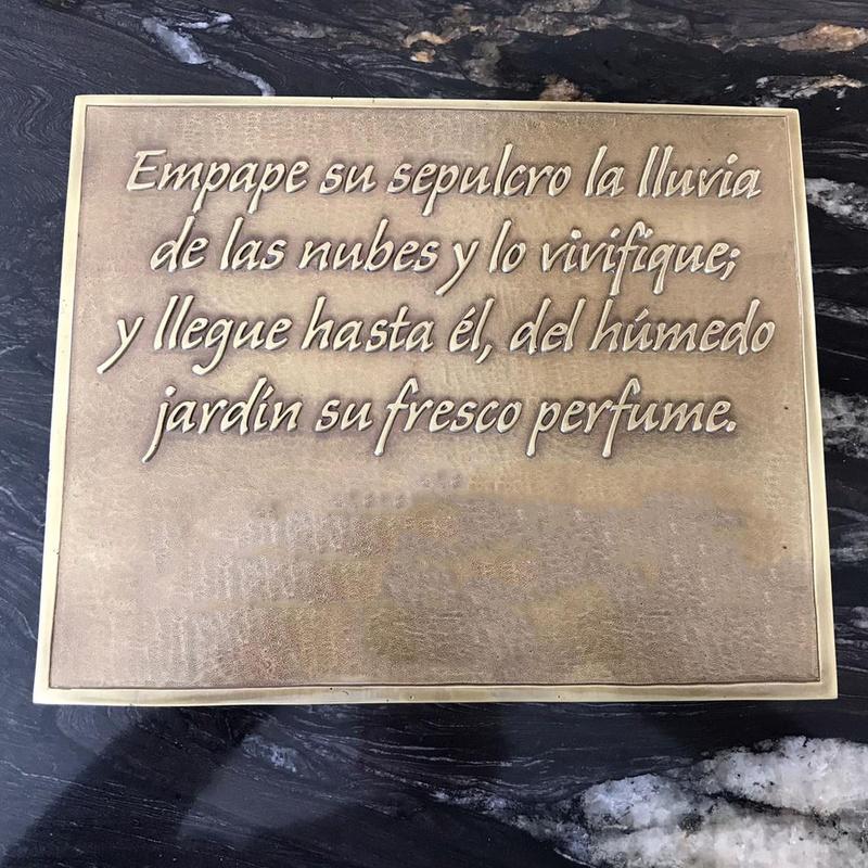 Placas conmemorativas: Servicios de fundición de Fundiciones Ferrer