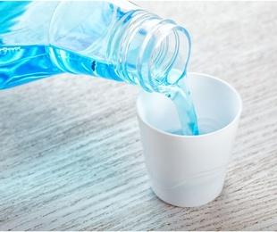 El uso del colutorio para una buena salud dental
