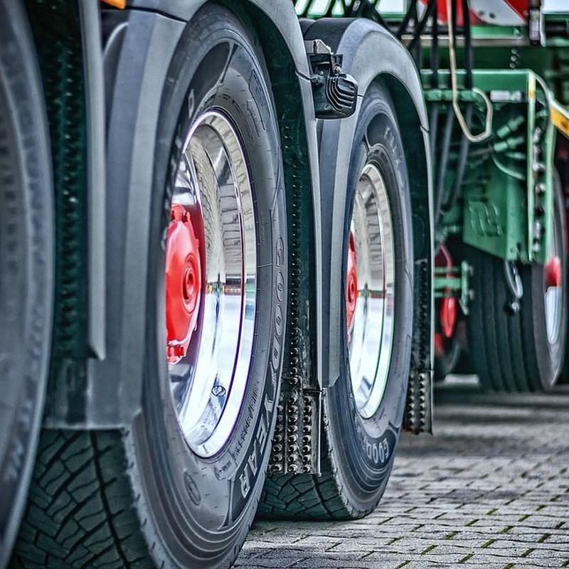 Plataformas: Servicios especializados de Taller de coches y camiones valencia