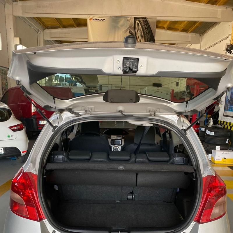 Toyota Yaris: Servicios y vehículos de MEC-OSONA