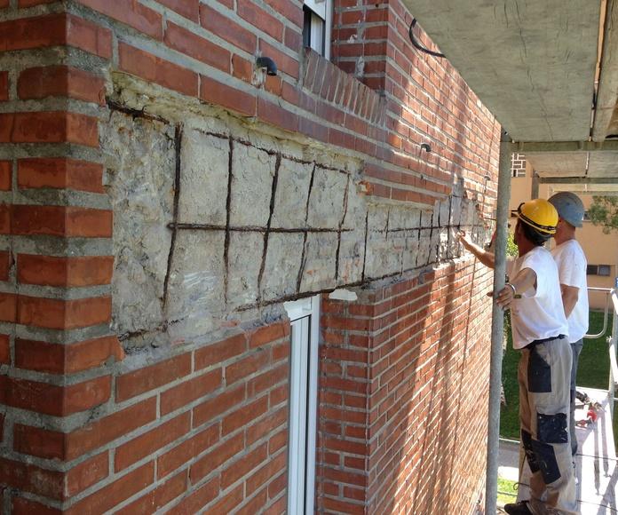 Reconstrucción y refuerzo sobre el que descansará la hoja exterior de fachada.