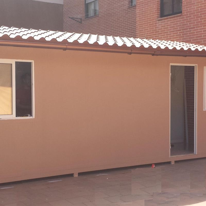 Trastero prefabricado montado en azotea, en una vivienda urbana de Madrid