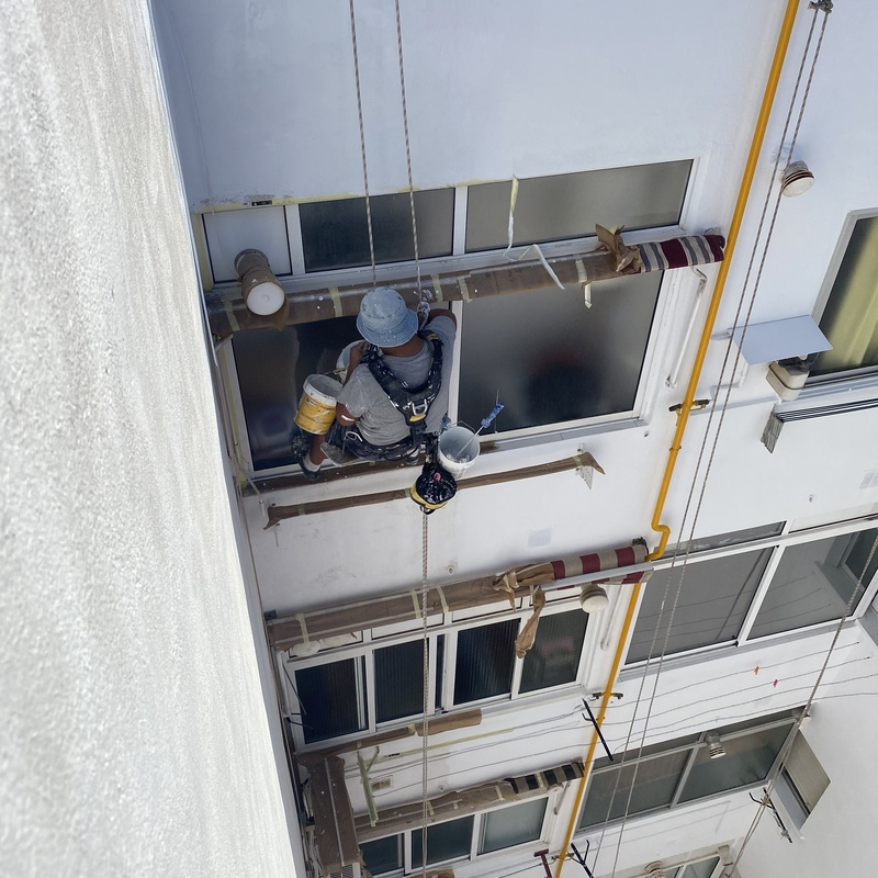 Restauracion e impermeabilización de fachadas traseras con Descuegue en Cam