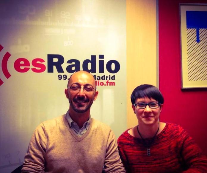 Colaboración en Es Radio, un programa dedicado a la Violencia Intragenero
