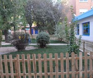 Sevicios Peque's School