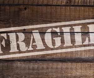 ¿Cómo embalar objetos frágiles en una mudanza?