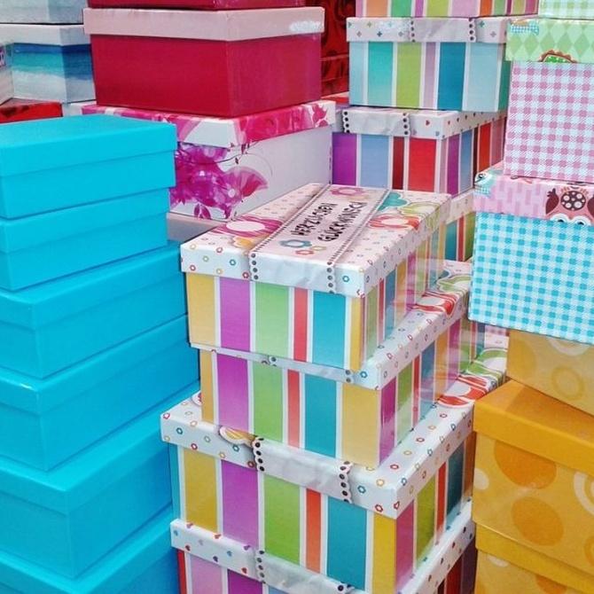 ¿Sabes quién inventó la caja de cartón?