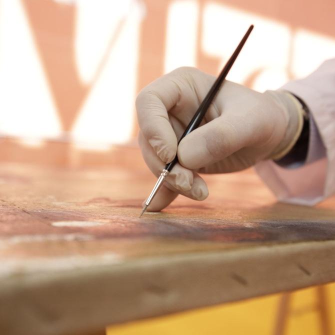¿Cómo restaurar una obra de arte?