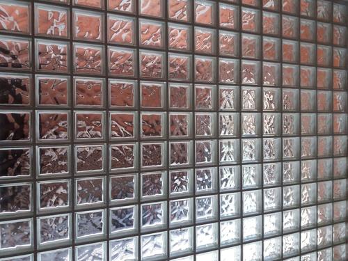 pared divisoria en cristal