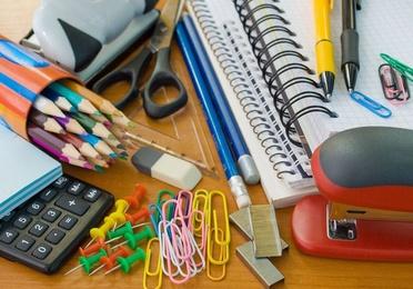 Material de oficina y papelería en general