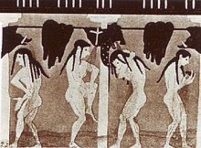 El origen de la ducha se remontan a la antigua Grecia y al antiguo Egipto aunque la ducha moderna se remonta al siglo XIX. Existe alguna evidencia de que los antiguos egipcios y mesopotámicos ya la usaban.