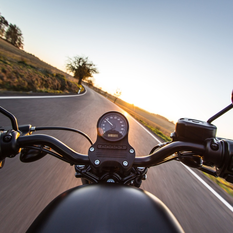 Contrata ahora tu seguro de moto: Seguros de Allianz Seguros