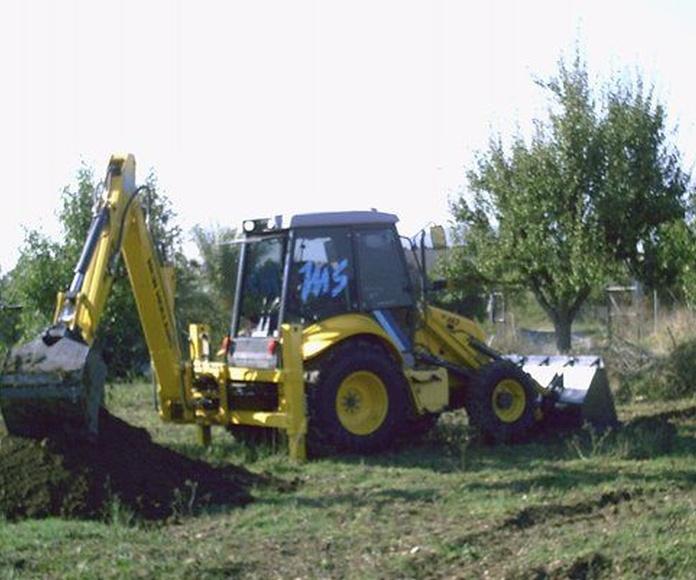 Retro pala excavadora: Servicios de Transportes Miguel Socias e Hijos