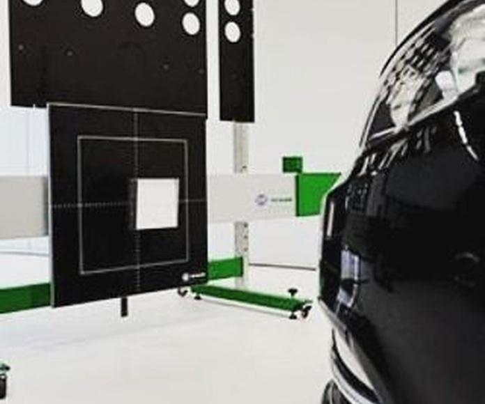 Radar y aparcamientos: Servicios de Reparación de lunas María de las Nieves