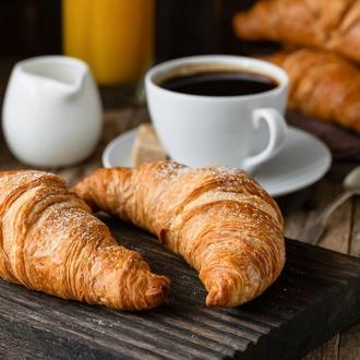 Desayunos peruanos y españoles