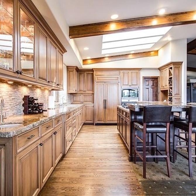 Las cocinas rústicas y la madera