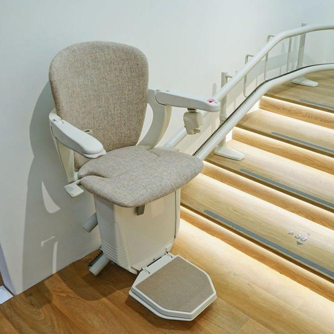 Ventajas de instalar sillas salvaescaleras