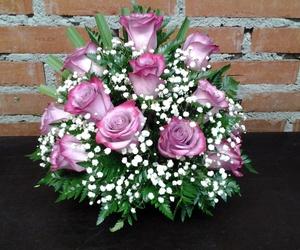 Centro a una cara de 12 rosas