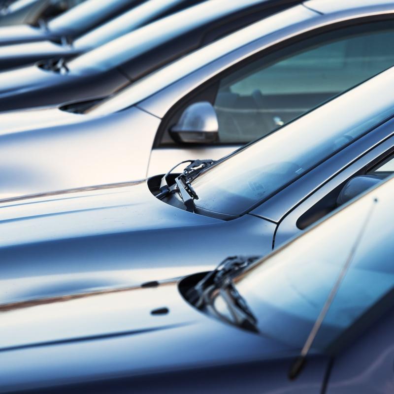 Compraventa de vehículos: LAVADO-MECANICA-ALQUILER FURGO de Tenaris Servicios Automoción