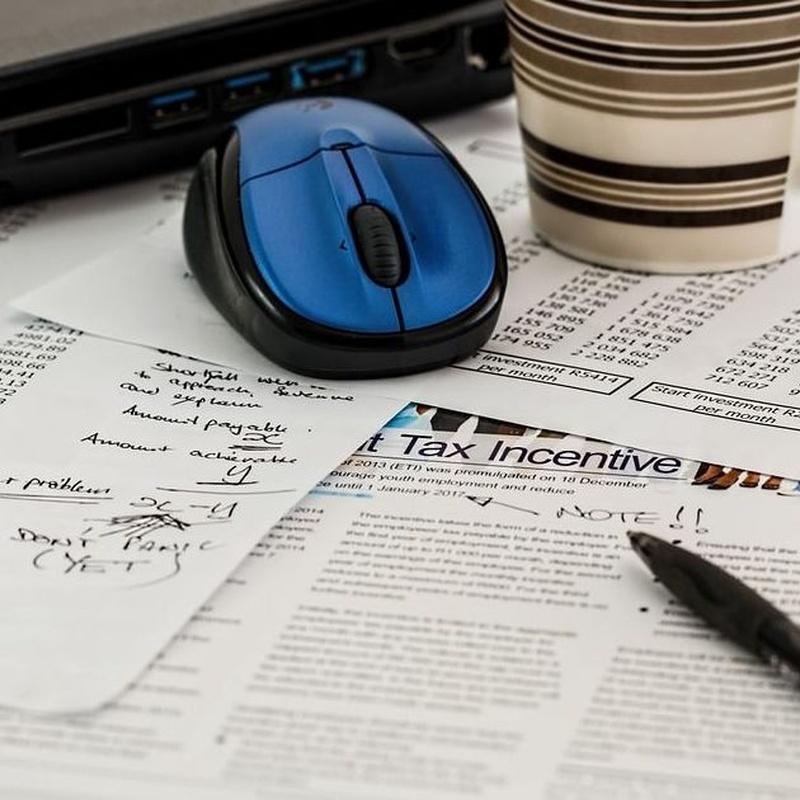 Fiscalidad para empresas y autónomos: Asesoramiento de Asesoría La Rosaleda