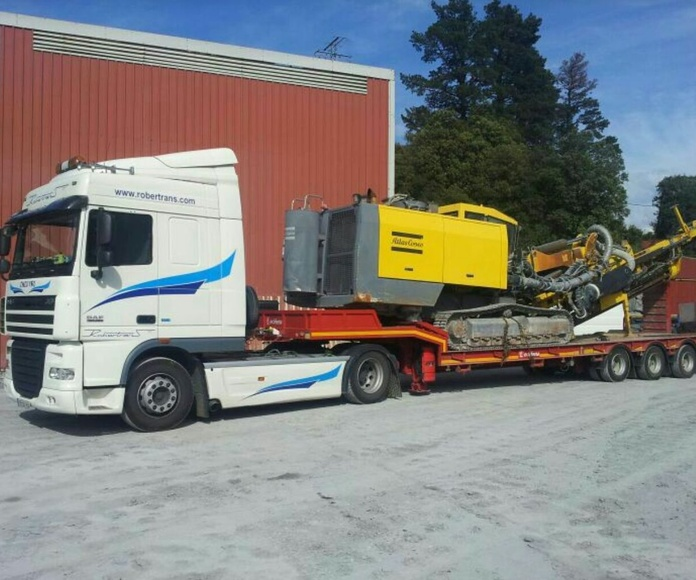 Maquinaria Pesada: Servicios de Nave Logística Robertrans