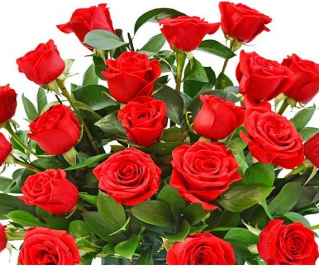 Centros de flores en consonancia con el ramo de la novia