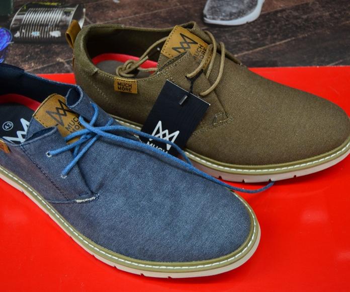 Zapatillas de tela con cordones azul y marrón