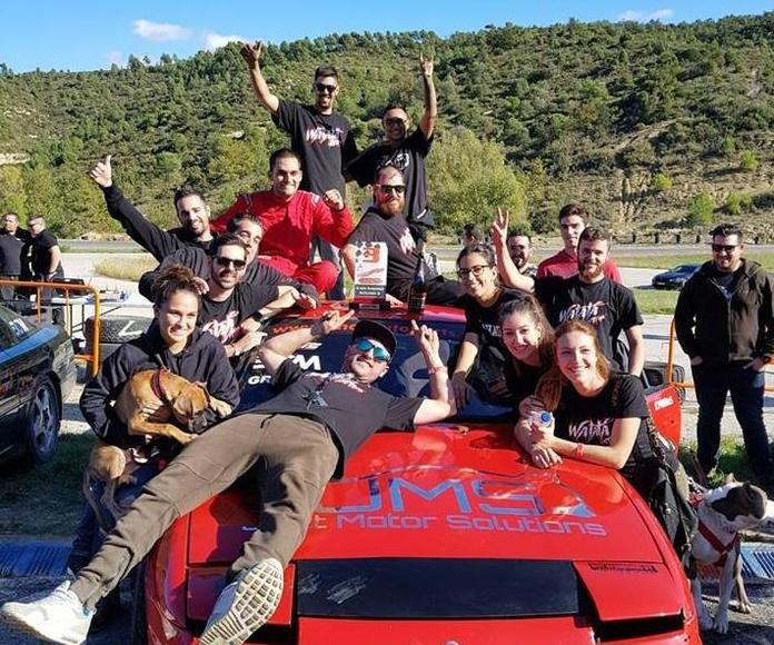 equipo WATATA DRIFT TEAM celebrando el 3º puesto de xavi en Canpadro