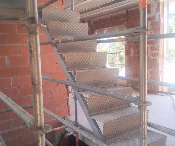 Escalera Zancas: Nuestros andamios de Andamios Cinssa