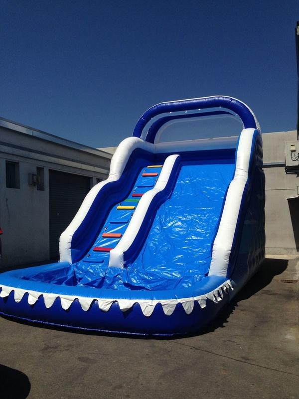 Tobogán con piscina 8x4x6M: 2.699€