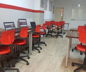 Ofrecemos también aula virtual y nuevas tecnologías