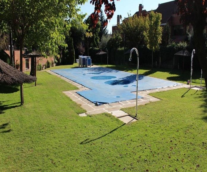 Mantenimiento de piscinas: Servicios de Manglobal 2013 SL