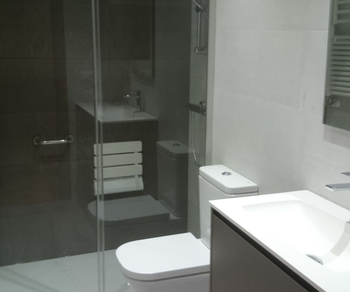 Reforma baño C/Juntas generales