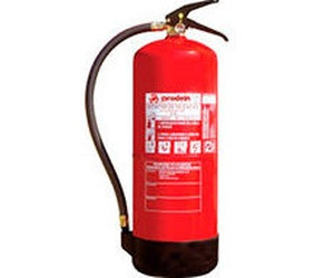 Extintores hídricos con diferentes capacidades