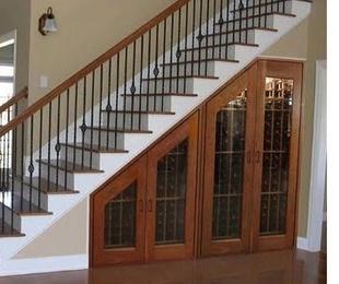 Bajos de escalera