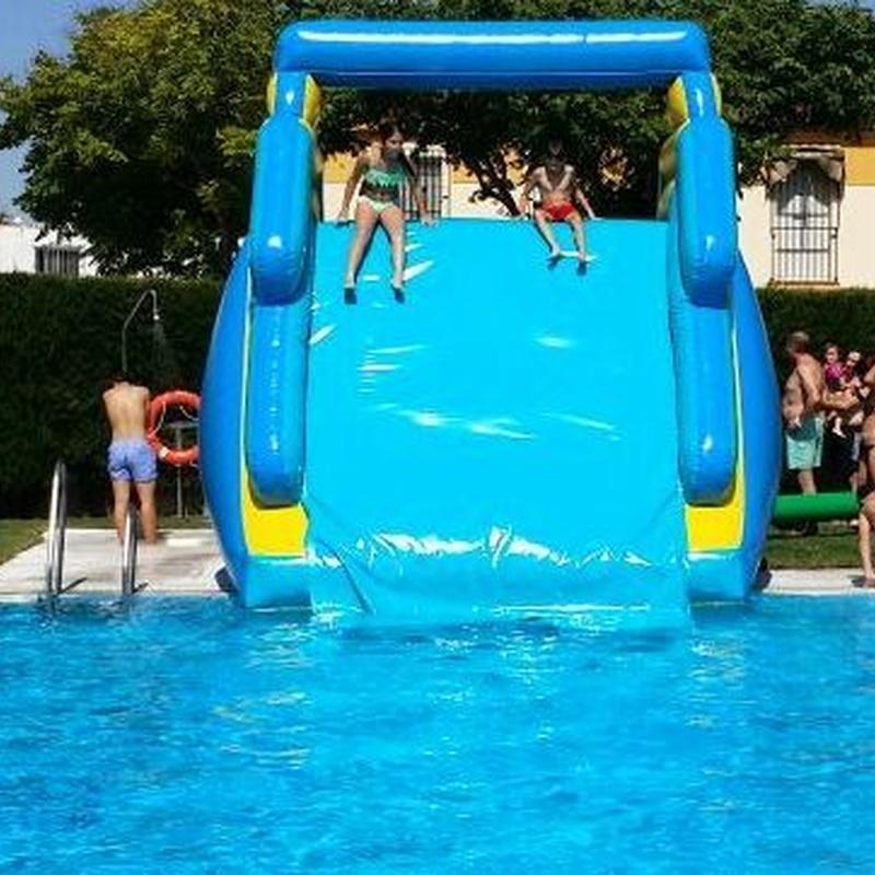 Tobogán Acuático para piscinas: Catálogo de Hinchables Happy Jump